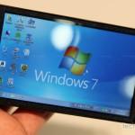 Fujitsu Loox F-07C, un teléfono con Windows 7, Symbian y memoria SSD